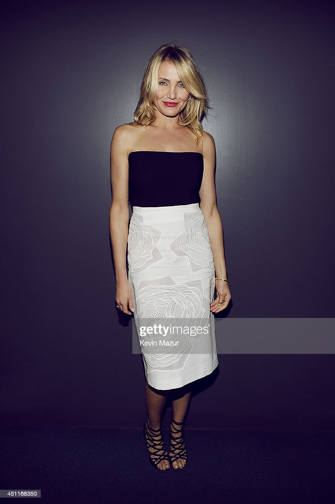 Actress <a gi-track='captionPersonalityLinkClicked' href=/galleries/search?phrase=Cameron+Diaz&family=editorial&specificpeople=201892 ng-click='$event.stopPropagation()'>Cameron Diaz</a> poses for a portrait at the MTV Movie Awards Backstage on April 13, 2014 in Los Angeles, California.