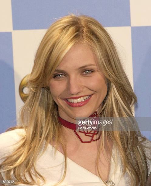 Actress Cameron Diaz recipient of the award for 'Favorite Action Team' for her role in 'Charlie's Angels' poses for photographers at the 7th Annual...