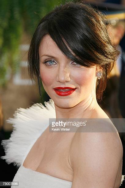 Actress Cameron Diazarrives at the 64th Annual Golden Globe Awards at the Beverly Hilton on January 15 2007 in Beverly Hills California