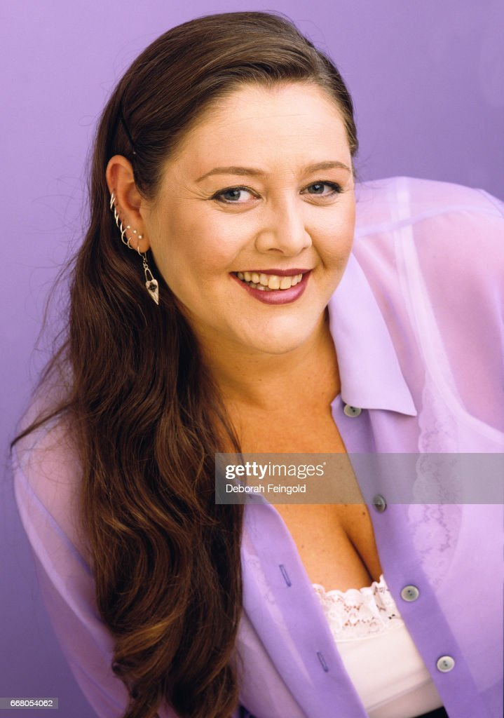 Actress Camryn Manheim poses for a portrait in 1998 in New York City, New York.