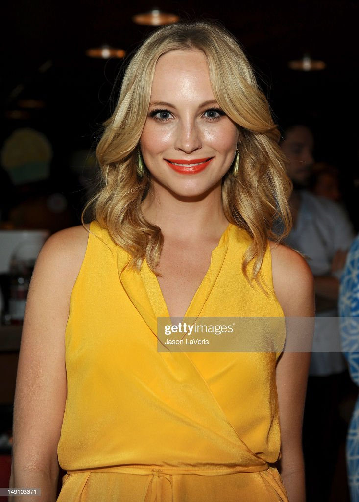 Actress Candice Accola poses in the green room at the 2012 Teen Choice Awards at Gibson Amphitheatre on July 22, 2012 in Universal City, California.