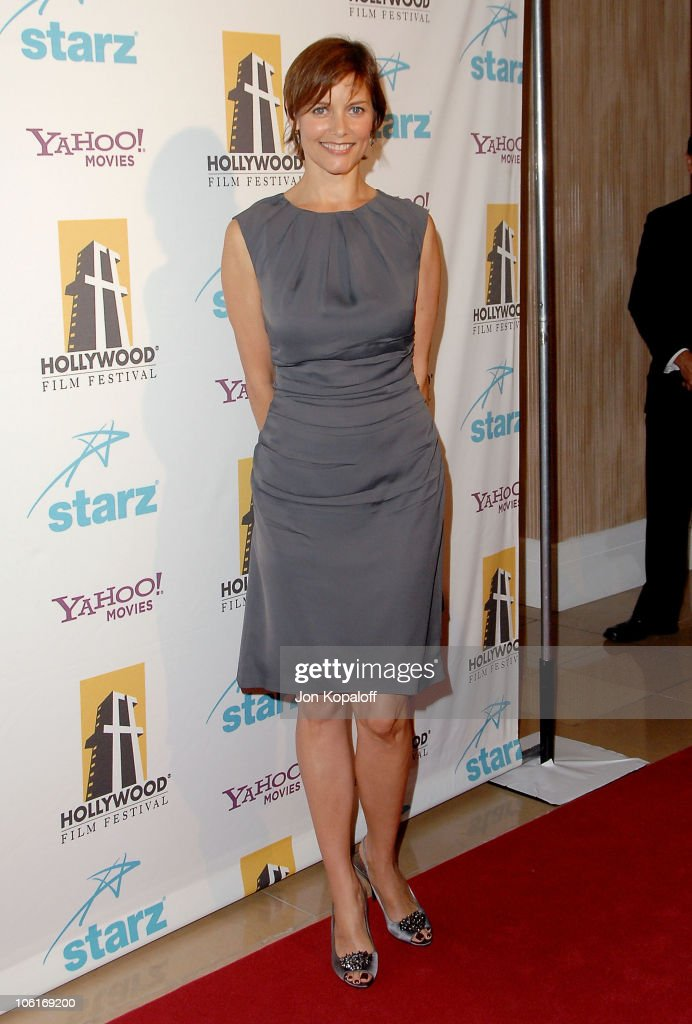 Actress Carey Lowell arrives at the Hollywood Film Festival's Hollywood Awards at the Beverly Hilton Hotel on October 22 2007 in Beverly Hills...