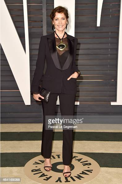 Actress Carey Lowell attends the 2015 Vanity Fair Oscar Party hosted by Graydon Carter at Wallis Annenberg Center for the Performing Arts on February...