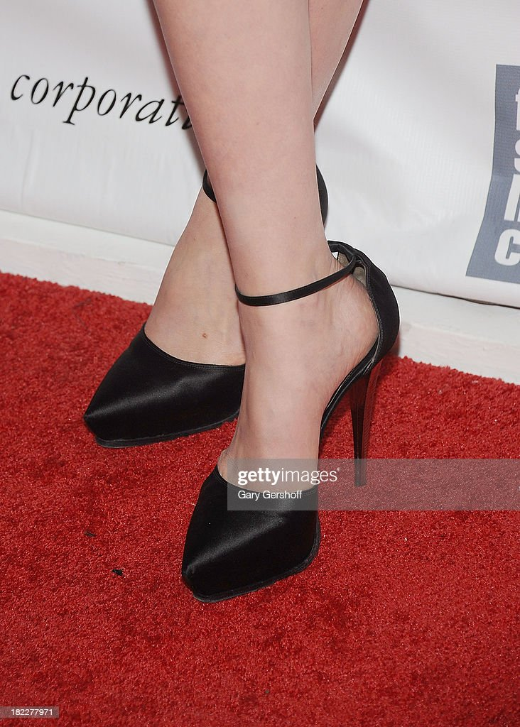 Actress <a gi-track='captionPersonalityLinkClicked' href=/galleries/search?phrase=Carey+Mulligan&family=editorial&specificpeople=2262681 ng-click='$event.stopPropagation()'>Carey Mulligan</a> ( shoe detail) attends the 'Inside Lleywn Davis' premiere during the 51st New York Film Festival at Alice Tully Hall at Lincoln Center on September 28, 2013 in New York City.