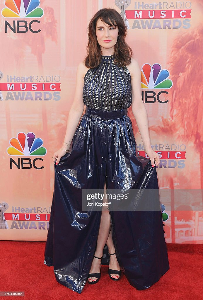 Actress <a gi-track='captionPersonalityLinkClicked' href=/galleries/search?phrase=Carice+van+Houten&family=editorial&specificpeople=2641238 ng-click='$event.stopPropagation()'>Carice van Houten</a> arrives at the 2015 iHeartRadio Music Awards at The Shrine Auditorium on March 29, 2015 in Los Angeles, California.