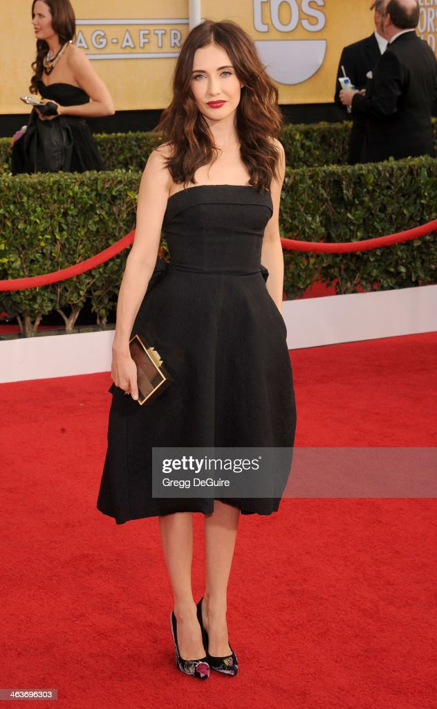 Actress <a gi-track='captionPersonalityLinkClicked' href=/galleries/search?phrase=Carice+van+Houten&family=editorial&specificpeople=2641238 ng-click='$event.stopPropagation()'>Carice van Houten</a> arrives at the 20th Annual Screen Actors Guild Awards at The Shrine Auditorium on January 18, 2014 in Los Angeles, California.