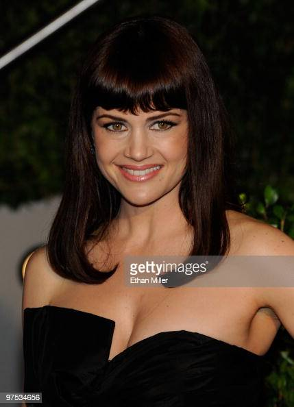 Actress Carla Gugino arrives at the 2010 Vanity Fair Oscar Party hosted by Graydon Carter held at Sunset Tower on March 7 2010 in West Hollywood...