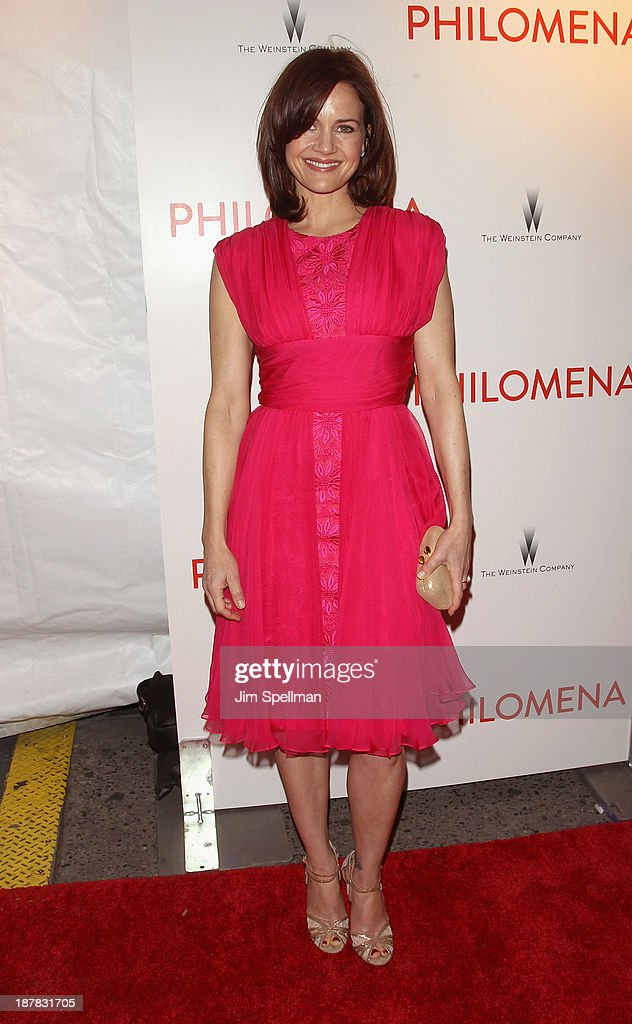 Actress <a gi-track='captionPersonalityLinkClicked' href=/galleries/search?phrase=Carla+Gugino&family=editorial&specificpeople=207137 ng-click='$event.stopPropagation()'>Carla Gugino</a> attends the premiere of 'Philomena' hosted by The Weinstein Company at Paris Theater on November 12, 2013 in New York City.