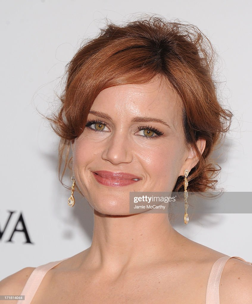 Actress Carla Gugino attends 'White House Down' New York Premiere at Ziegfeld Theater on June 25, 2013 in New York City.