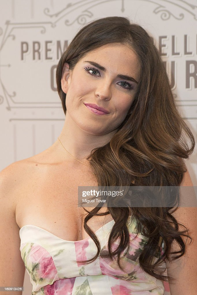 Actress Carla Souza attends the 'Glamour Magazine Beauty Awards' at Indianilla cultural center on February 7, 2013 in Mexico City, Mexico.