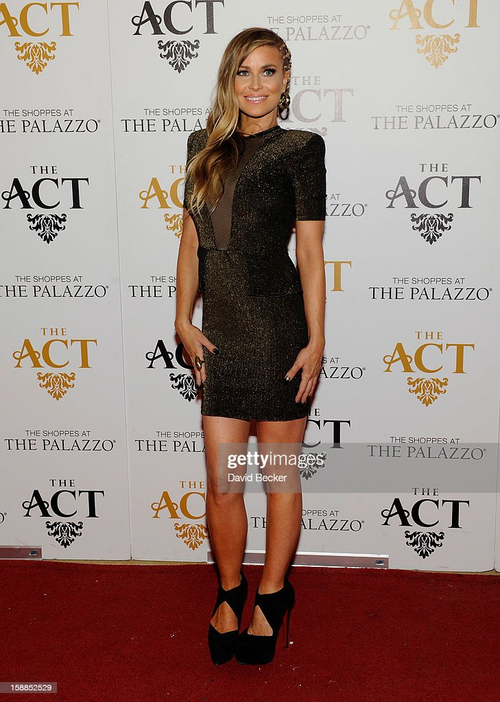 Actress Carmen Electra arrives at the New Year's Eve celebration at The Act at The Palazzo on December 31, 2012 in Las Vegas, Nevada.