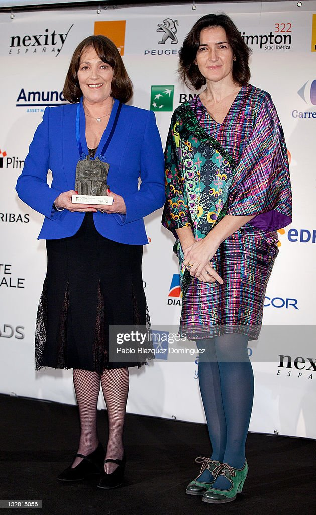 Actress Carmen Maura receives an award from the Spanish Culture Minister Angeles Gonzalez Sinde during 'Prix del Dialogo' Award on November 14 2011...