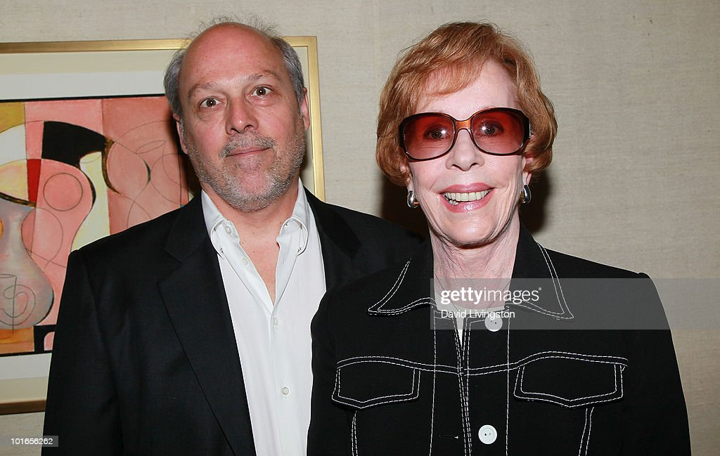 Actress Carol Burnett (R) and husband Brian Miller attend Blake Edwards' art exhibit preview at Leslie Sacks Fine Art on June 5, 2010 in Brentwood, California.