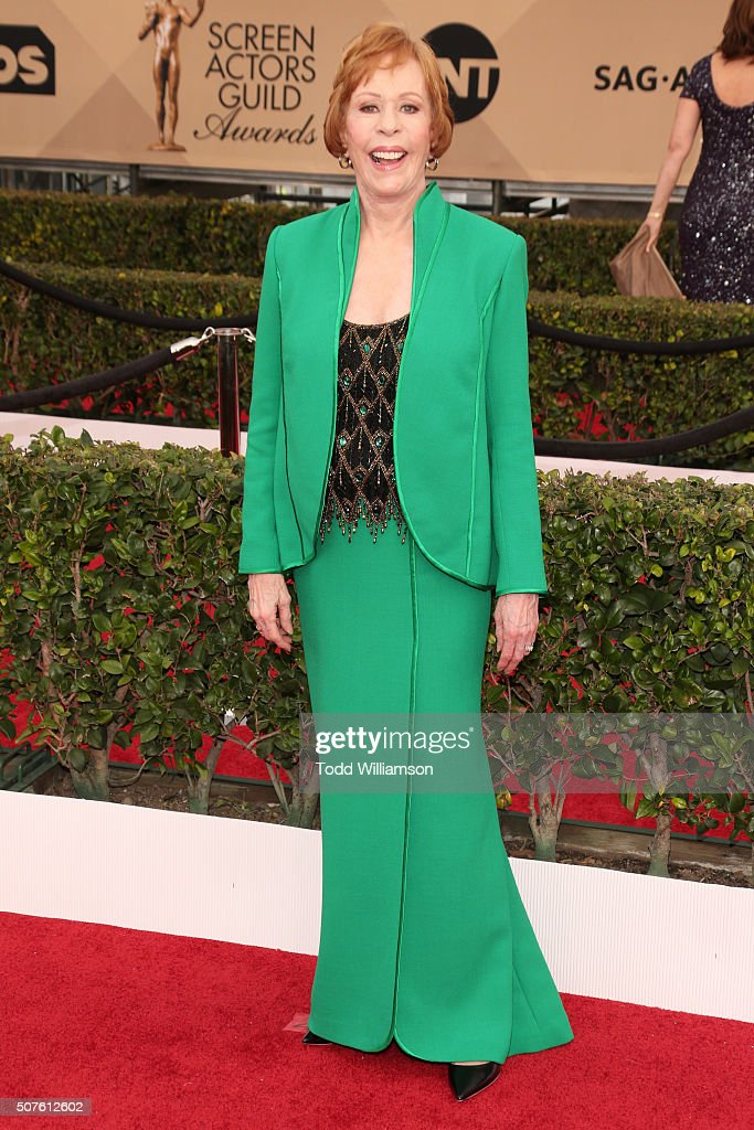 Actress <a gi-track='captionPersonalityLinkClicked' href=/galleries/search?phrase=Carol+Burnett&family=editorial&specificpeople=206201 ng-click='$event.stopPropagation()'>Carol Burnett</a> attends the 22nd Annual Screen Actors Guild Awards at The Shrine Auditorium on January 30, 2016 in Los Angeles, California.