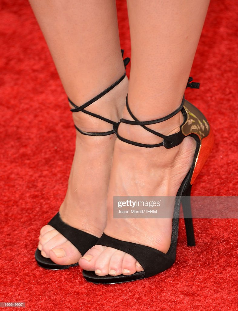 Actress Carrie Keagan (detail) arrives at the 2013 MTV Movie Awards at Sony Pictures Studios on April 14, 2013 in Culver City, California.
