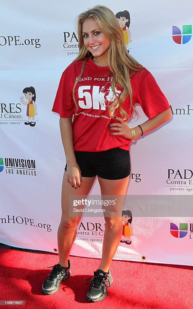Actress Cassie Scerbo attends Padres Contra El Cancer's 5th Annual Stand for HOPE! 5k Run/Walk at the Rose Bowl on June 24, 2012 in Pasadena, California.