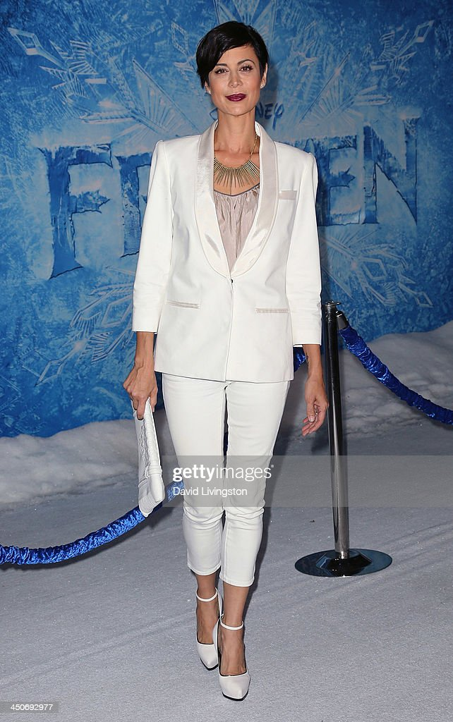 Actress <a gi-track='captionPersonalityLinkClicked' href=/galleries/search?phrase=Catherine+Bell&family=editorial&specificpeople=212729 ng-click='$event.stopPropagation()'>Catherine Bell</a> attends the premiere of Walt Disney Animation Studios' 'Frozen' at the El Capitan Theatre on November 19, 2013 in Hollywood, California.
