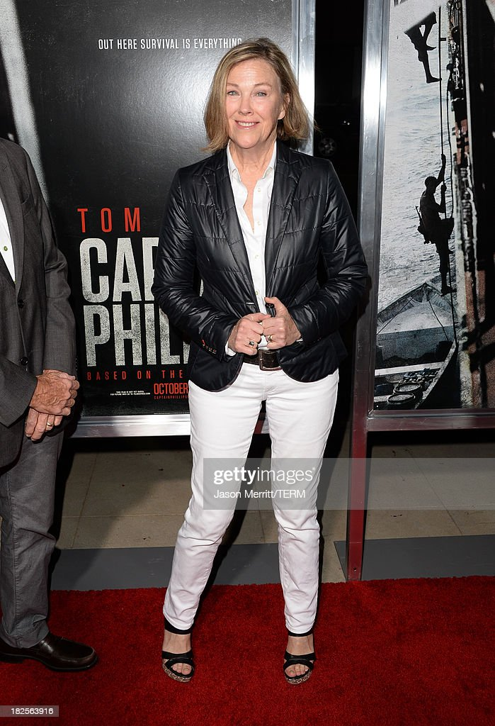 Actress <a gi-track='captionPersonalityLinkClicked' href=/galleries/search?phrase=Catherine+O%27Hara&family=editorial&specificpeople=563604 ng-click='$event.stopPropagation()'>Catherine O'Hara</a> attends the premiere of Columbia Pictures' 'Captain Phillips' at the Academy of Motion Picture Arts and Sciences on September 30, 2013 in Beverly Hills, California.