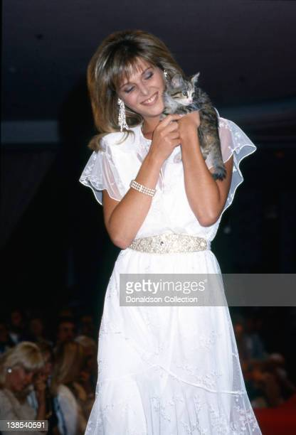 Actress Catherine Oxenberg star of the TV show 'Dynasty' holds a cat in 1985 in Los Angeles California