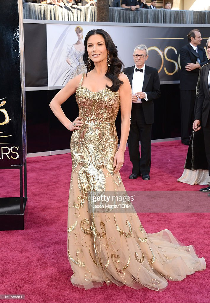 Actress Catherine Zeta-Jones arrives at the Oscars at Hollywood & Highland Center on February 24, 2013 in Hollywood, California.