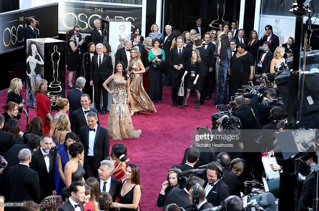 Actress Catherine Zeta-Jones arrives at the Oscars held at Hollywood & Highland Center on February 24, 2013 in Hollywood, California.