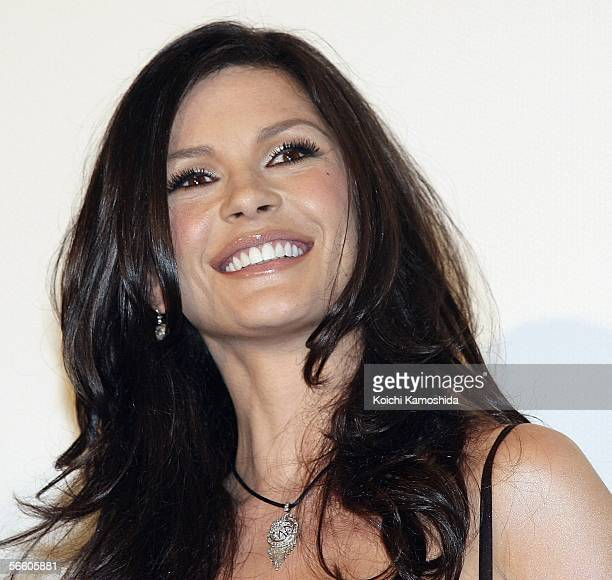 Actress Catherine ZetaJones attends the premiere of her film 'The Legend of Zorro' on January 17 2006 in Tokyo Japan The film was directed by Martin...