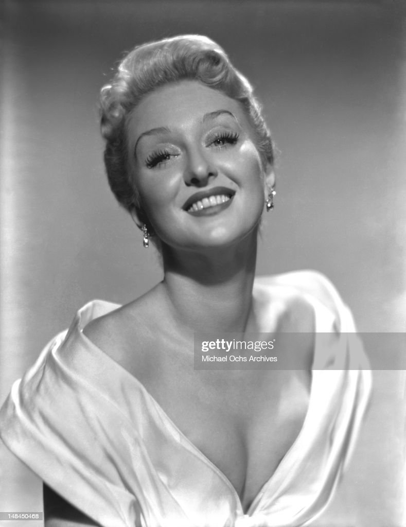 Actress <a gi-track='captionPersonalityLinkClicked' href=/galleries/search?phrase=Celeste+Holm&family=editorial&specificpeople=208238 ng-click='$event.stopPropagation()'>Celeste Holm</a> poses for a portrait circa 1955 in New York City, New York.