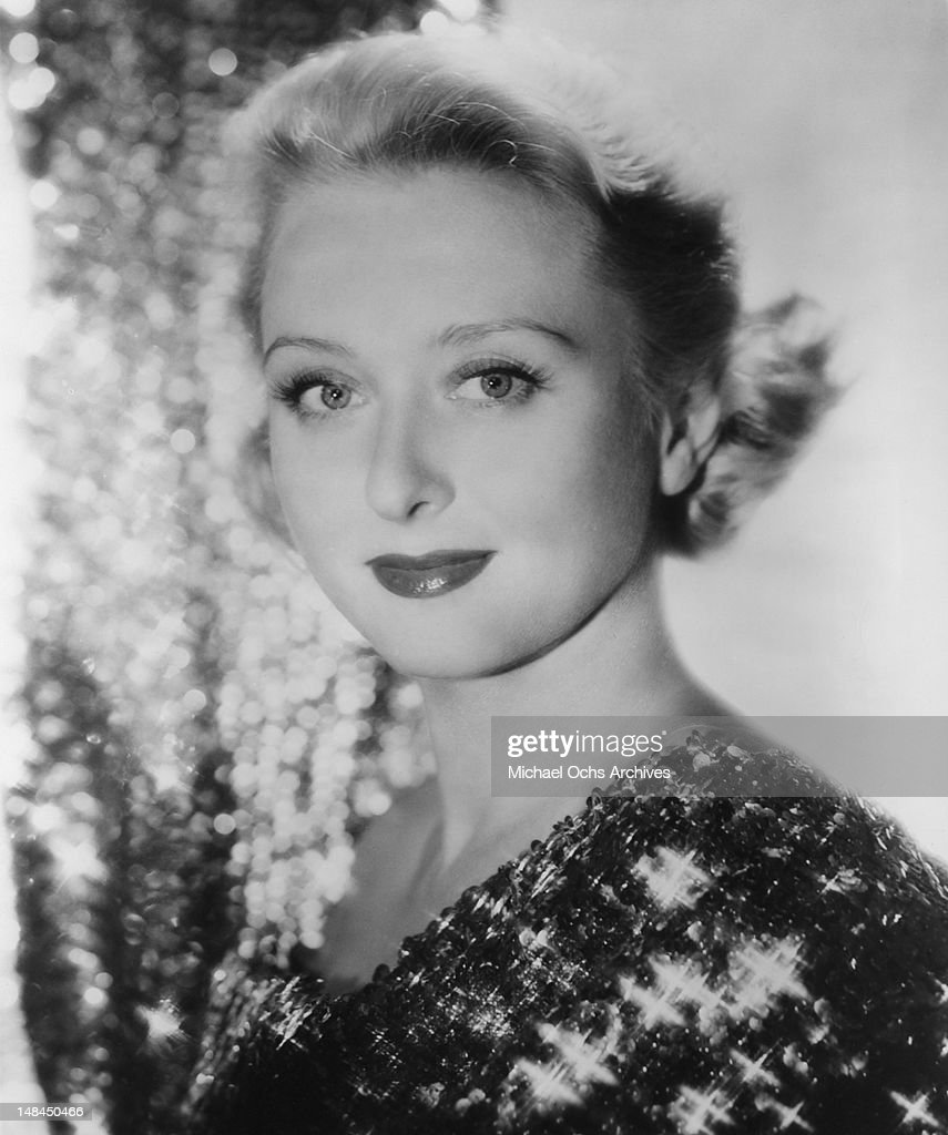 Actress <a gi-track='captionPersonalityLinkClicked' href=/galleries/search?phrase=Celeste+Holm&family=editorial&specificpeople=208238 ng-click='$event.stopPropagation()'>Celeste Holm</a> poses for a portrait circa 1960 in New York City, New York.