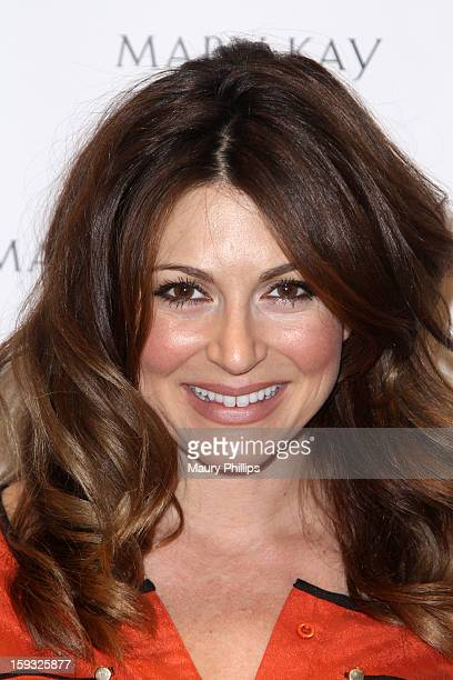 Actress Cerina Vincent poses with Mary Kay at Kari Feinstein's PreGolden Globes Style Lounge at the W Hollywood on January 11 2013 in Hollywood...