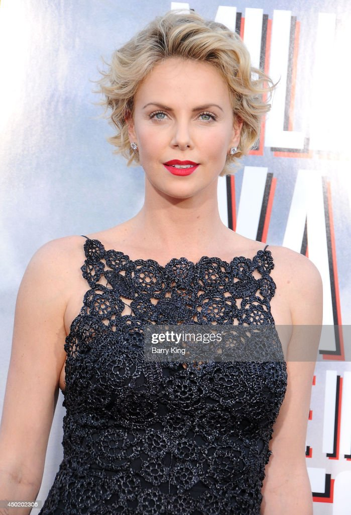 Actress <a gi-track='captionPersonalityLinkClicked' href=/galleries/search?phrase=Charlize+Theron&family=editorial&specificpeople=171250 ng-click='$event.stopPropagation()'>Charlize Theron</a> arrives at the Los Angeles Premiere 'A Million Ways To Die In The West' on May 15, 2014 at Regency Village Theatre in Westwood, California.