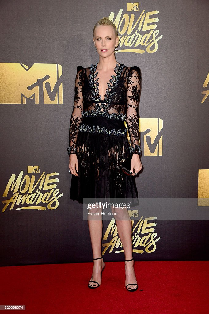 actress-charlize-theron-attends-the-2016-mtv-movie-awards-at-warner-picture-id520068074