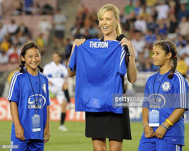Actress Charlize Theron from South Africa attends the 2009 World Football Challenge game Chelsea FC vs Inter Milan at the Rose Bowl stadium in...