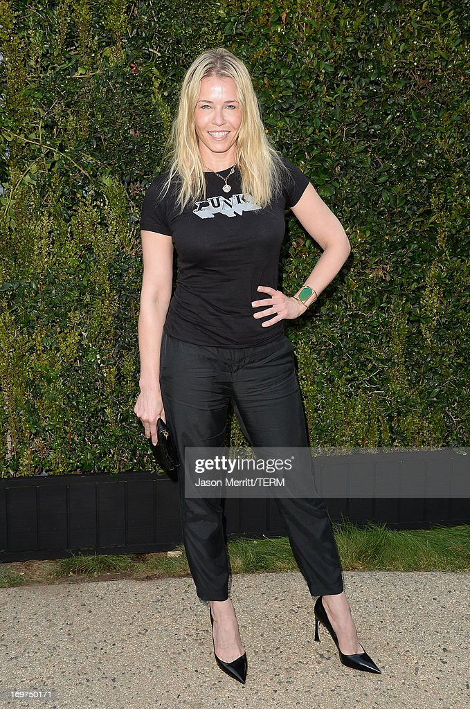 Actress <a gi-track='captionPersonalityLinkClicked' href=/galleries/search?phrase=Chelsea+Handler&family=editorial&specificpeople=599162 ng-click='$event.stopPropagation()'>Chelsea Handler</a> attends the CHANEL Dinner For NRDC 'A Celebration Of Art, Nature And Technology' held at a private residence on May 31, 2013 in Los Angeles, California.