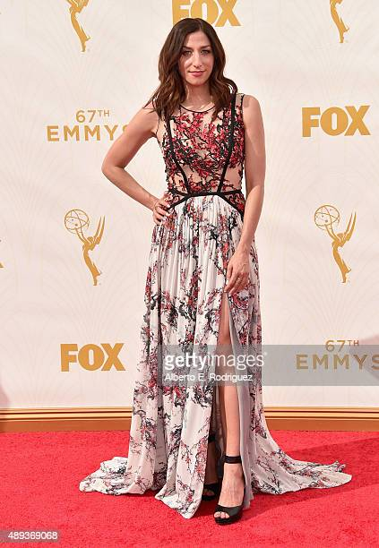 Actress Chelsea Peretti attends the 67th Emmy Awards at Microsoft Theater on September 20 2015 in Los Angeles California 25720_001