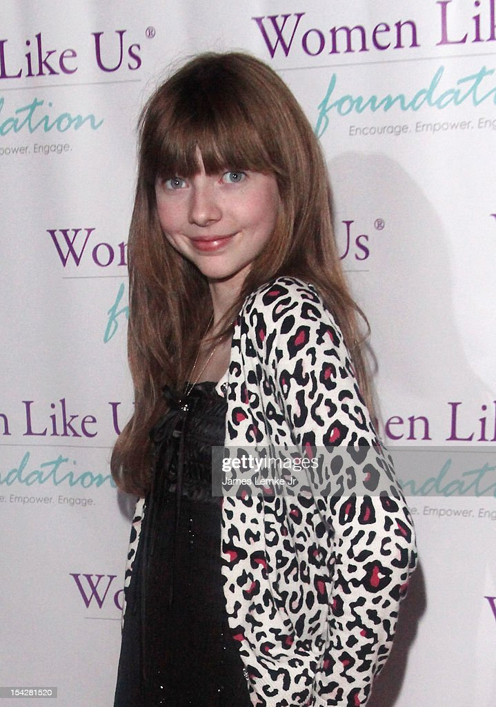 Actress Chelsey Valintine attends the 'Girls Are Worth It' health fair and fundraiser for the Women Like Us Foundation at Level 3 club in Hollywood & Highland Center on October 13, 2012 in Hollywood, California.