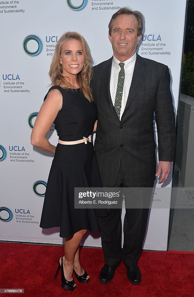 Actress Cheryl Hines and attorney Robert F. Kennedy, Jr. attend An Evening of Environmental Excellence presented by the UCLA Institute of the Environment and Sustainability on March 21, 2014 in Beverly Hills, California.