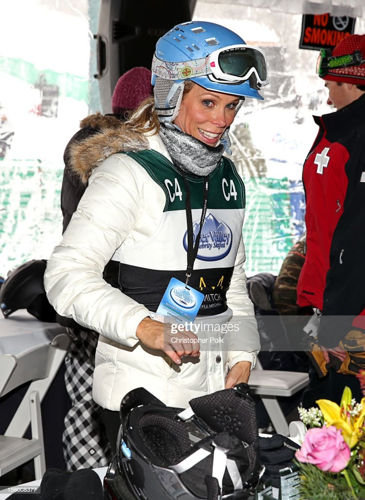 Actress <a gi-track='captionPersonalityLinkClicked' href=/galleries/search?phrase=Cheryl+Hines&family=editorial&specificpeople=209249 ng-click='$event.stopPropagation()'>Cheryl Hines</a> attends the Deer Valley Celebrity Skifest at Deer Valley Resort on December 8, 2012 in Park City, Utah.
