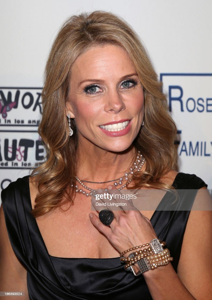 Actress <a gi-track='captionPersonalityLinkClicked' href=/galleries/search?phrase=Cheryl+Hines&family=editorial&specificpeople=209249 ng-click='$event.stopPropagation()'>Cheryl Hines</a> attends the Inner-City Arts 2013 Imagine Gala at the Beverly Hilton Hotel on October 30, 2013 in Beverly Hills, California.