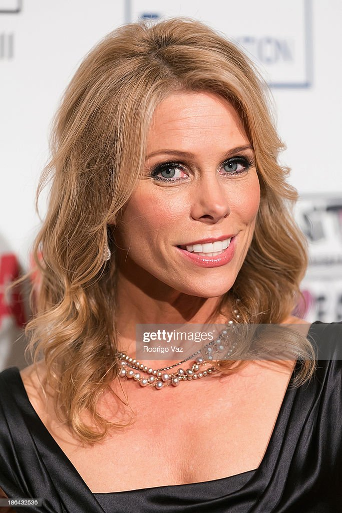 Actress <a gi-track='captionPersonalityLinkClicked' href=/galleries/search?phrase=Cheryl+Hines&family=editorial&specificpeople=209249 ng-click='$event.stopPropagation()'>Cheryl Hines</a> attends the Inner-City Arts Imagine Gala at The Beverly Hilton Hotel on October 30, 2013 in Beverly Hills, California.