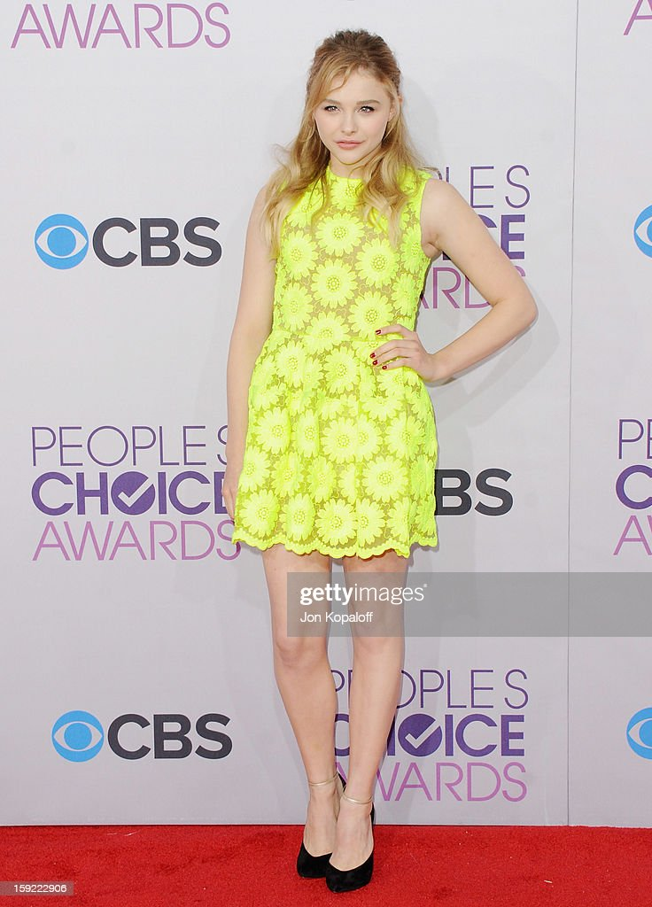 Actress Chloe Grace Moretz arrives at the 2013 People's Choice Awards at Nokia Theatre L.A. Live on January 9, 2013 in Los Angeles, California.