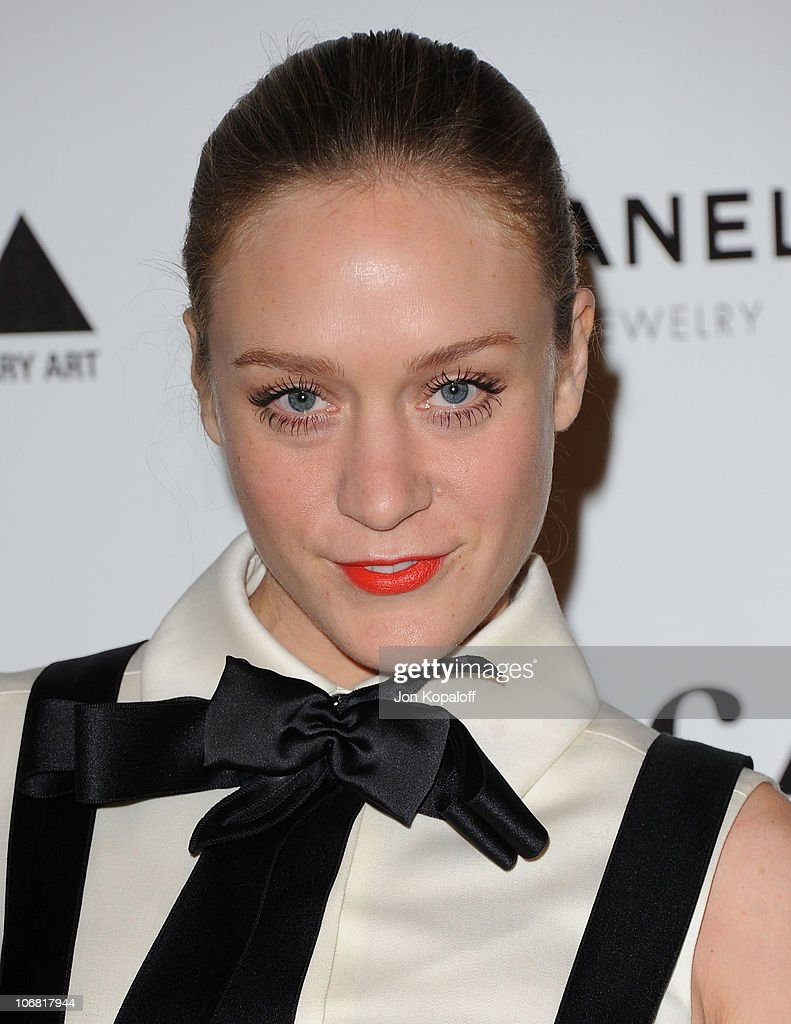 Actress <a gi-track='captionPersonalityLinkClicked' href=/galleries/search?phrase=Chloe+Sevigny&family=editorial&specificpeople=201550 ng-click='$event.stopPropagation()'>Chloe Sevigny</a> arrives at MOCA's Annual Gala 'The Artists Museum Happening' at MOCA Grand Avenue on November 13, 2010 in Los Angeles, California.