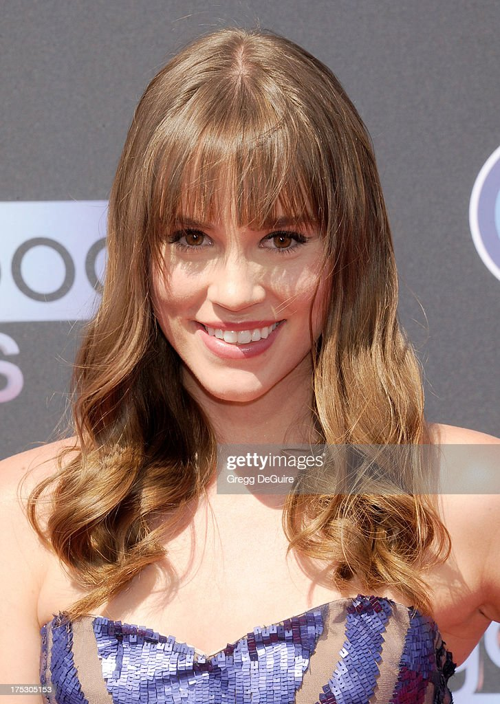15th Annual Young Hollywood Award - Arrivals
