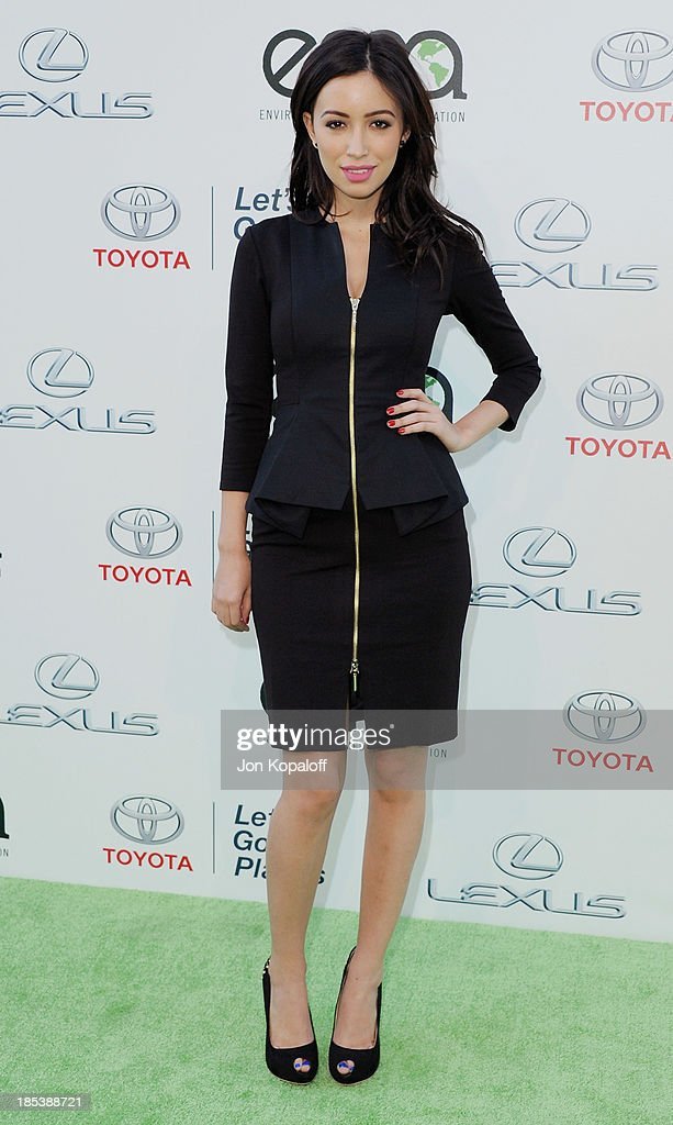 Actress <a gi-track='captionPersonalityLinkClicked' href=/galleries/search?phrase=Christian+Serratos&family=editorial&specificpeople=709188 ng-click='$event.stopPropagation()'>Christian Serratos</a> arrives at the 2013 Environmental Media Awards at Warner Bros. Studios on October 19, 2013 in Burbank, California.
