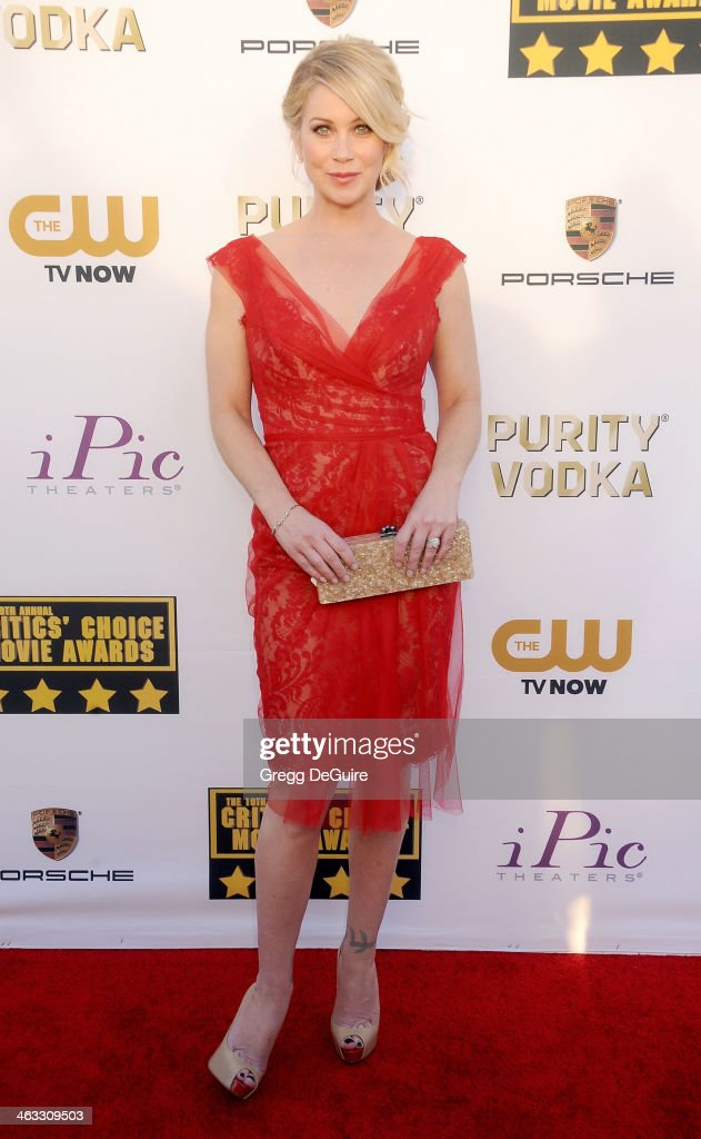 Actress <a gi-track='captionPersonalityLinkClicked' href=/galleries/search?phrase=Christina+Applegate&family=editorial&specificpeople=171273 ng-click='$event.stopPropagation()'>Christina Applegate</a> arrives at the 19th Annual Critics' Choice Movie Awards at Barker Hangar on January 16, 2014 in Santa Monica, California.