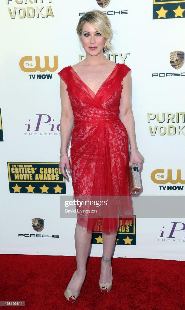 Actress Christina Applegate attends the 19th Annual Critics' Choice Movie Awards at Barker Hangar on January 16, 2014 in Santa Monica, California.