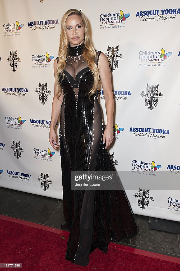 Actress <a gi-track='captionPersonalityLinkClicked' href=/galleries/search?phrase=Christina+Fulton&family=editorial&specificpeople=3937521 ng-click='$event.stopPropagation()'>Christina Fulton</a> attends The Abbey's 8th Annual Christmas in September event benefiting The Children's Hospital Los Angeles at The Abbey on September 24, 2013 in West Hollywood, California.