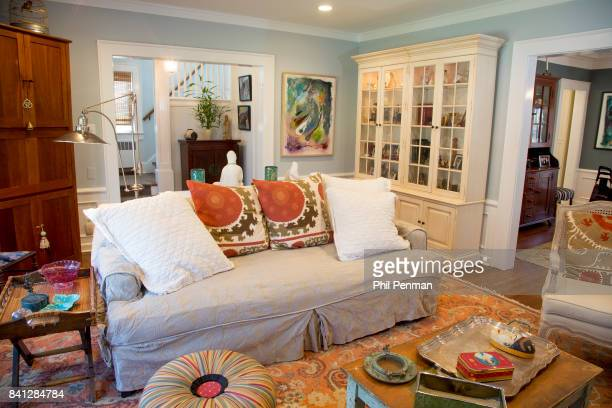 Actress Christine Ebersole's home is photographed for Closer Weekly Magazine on April 14 2016 in New Jersey Living room PUBLISHED IMAGE