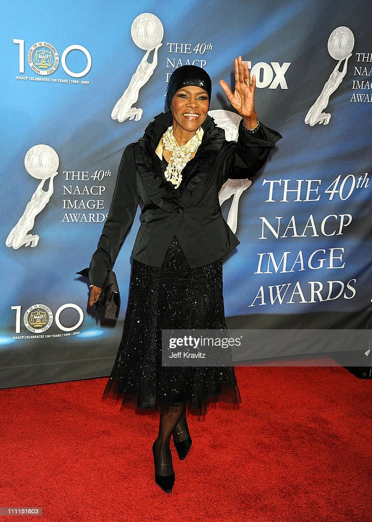 Actress <a gi-track='captionPersonalityLinkClicked' href=/galleries/search?phrase=Cicely+Tyson&family=editorial&specificpeople=211450 ng-click='$event.stopPropagation()'>Cicely Tyson</a> arrives at the 40th NAACP Image Awards held at the Shrine Auditorium on February 12, 2009 in Los Angeles, California.