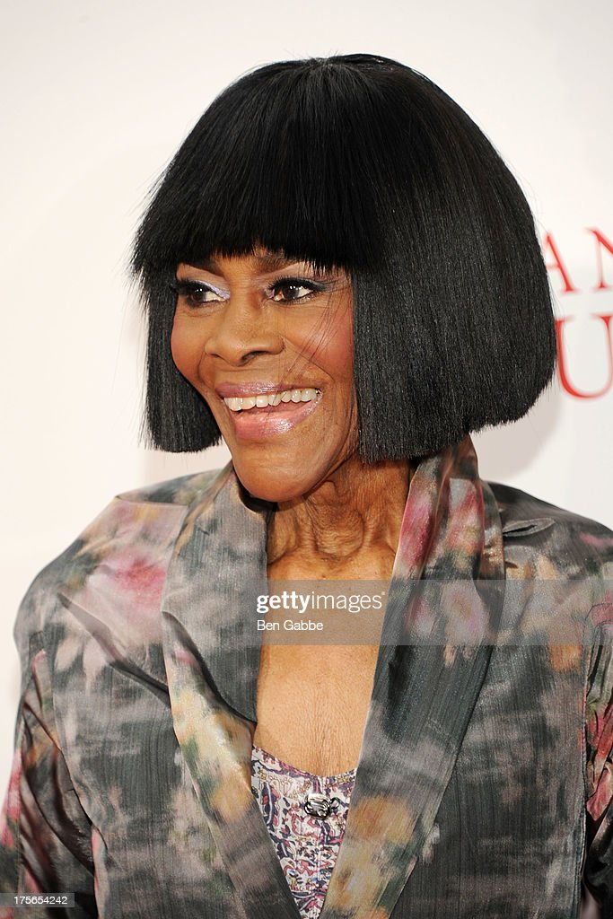 Actress <a gi-track='captionPersonalityLinkClicked' href=/galleries/search?phrase=Cicely+Tyson&family=editorial&specificpeople=211450 ng-click='$event.stopPropagation()'>Cicely Tyson</a> attends Lee Daniels' 'The Butler' New York Premiere at Ziegfeld Theater on August 5, 2013 in New York City.