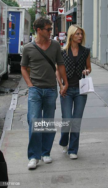 Actress Claire Danes and actor Hugh Dancy sighting walking in SOHO after shoppng at the Apple store